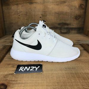 Nike Roshe One White Lace Up Cushioned Sneakers